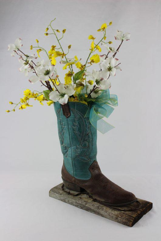Cowboy_Boot_custom_center_piece_for rustic montana weddings_montana
